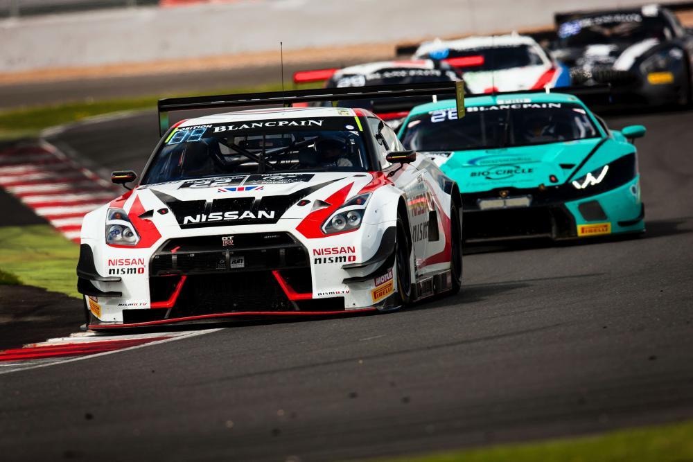Nissan-GT-R-NISMO-Blancpain-GT-Series-Wallpaper.jpg