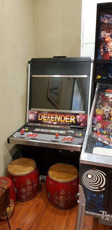 arcade_cab.thumb.jpg.f46d6cbc49e45da754128b48b086171f.jpg